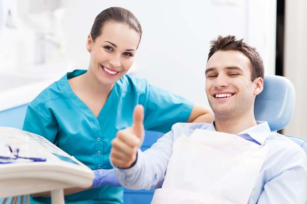 Choosing A Dental Restoration Procedure To Fix Your Teeth